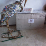 'Assurdo concettuale con cicogna', Plasticone, cm 140x60x40,